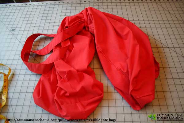 Pillowcases to Reversible Tote Bag -Change pillowcases to a reversible tote bag, learn how to make a basic lined bag or reversible bag.