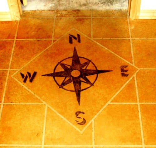 Compass rose reflects accurate solar orientation.