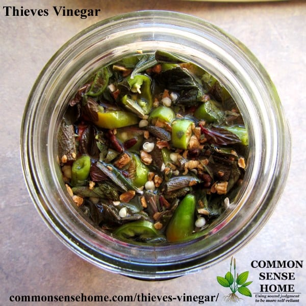 thieves vinegar in mason jar