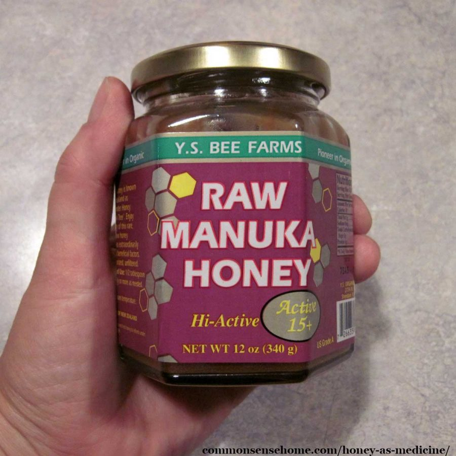jar of raw manuka honey
