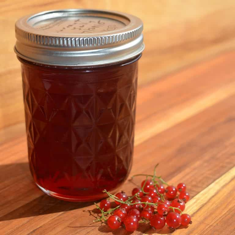 Currant Jelly Recipe – Easy to Make Red Currant Jelly with No Added Pectin