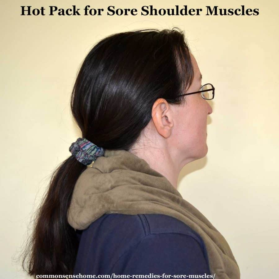 hot pack for sore shoulder muscles