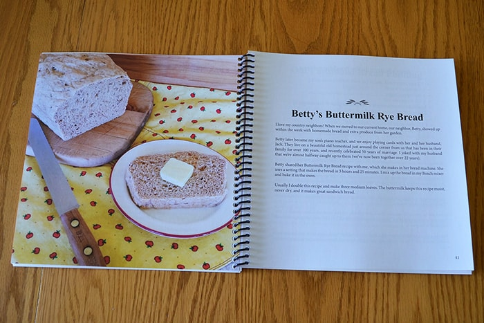 This book will help you bake a amazing homemade bread, even if you've never baked before. Includes online baking tutorial and best bread storage tips.