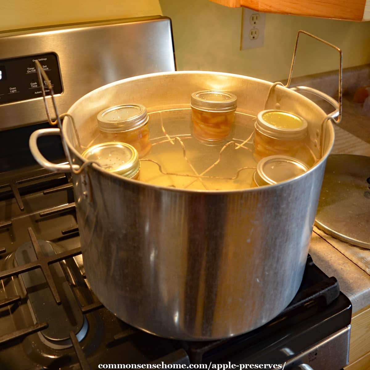 canning apple preserves